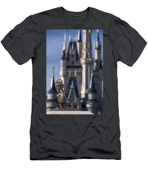 I Present You Cinderella's Castle Men's T-Shirt (Athletic Fit)