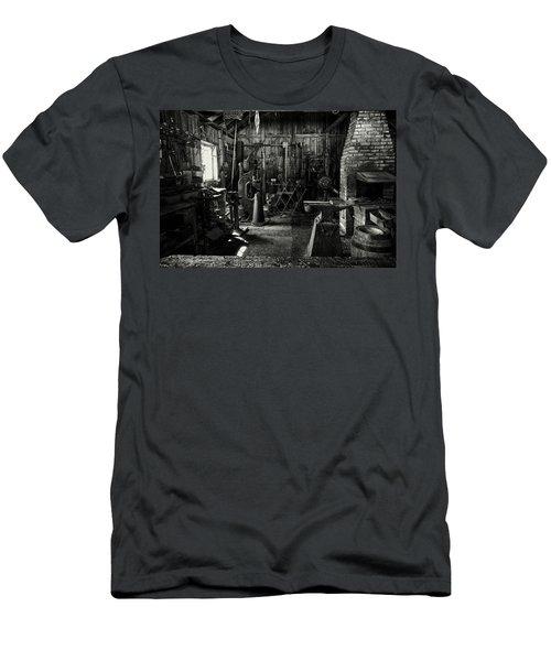 Idle Bw Men's T-Shirt (Athletic Fit)