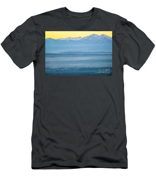 In The Mist 4 Men's T-Shirt (Athletic Fit)