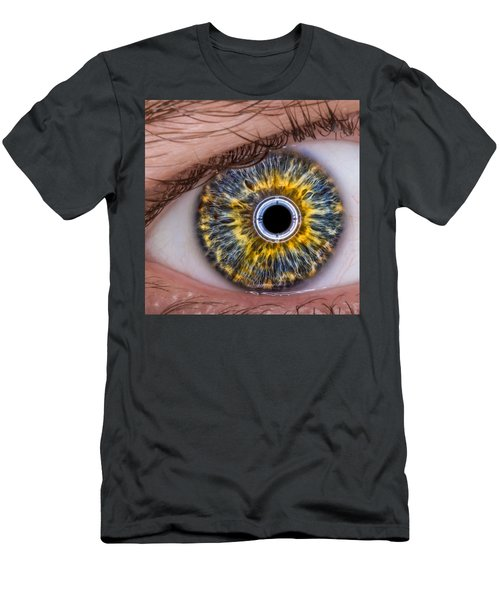 iRobot Eye v2.o Men's T-Shirt (Athletic Fit)