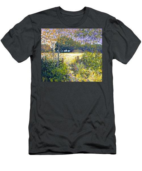 Jeremiahs Field Men's T-Shirt (Athletic Fit)