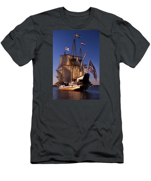 Kalmar Nyckel Men's T-Shirt (Slim Fit) by Skip Willits