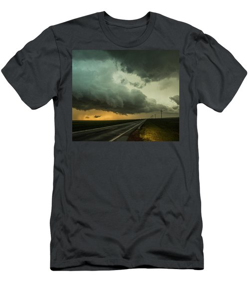 Kansas Storm Chase Bust Day 004 Men's T-Shirt (Athletic Fit)