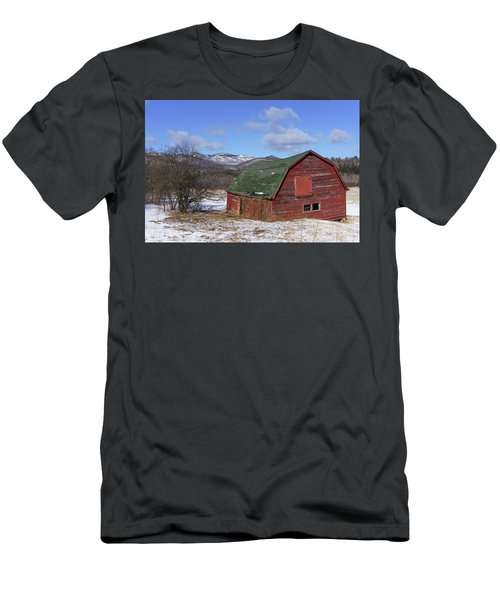 Keene Barn Men's T-Shirt (Athletic Fit)
