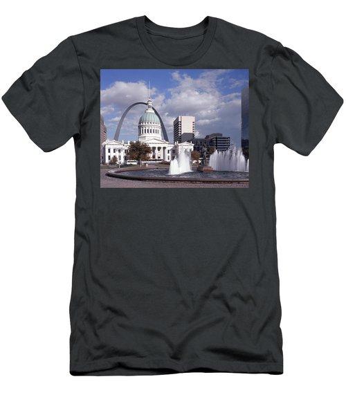 Kiener Plaza - St Louis Men's T-Shirt (Athletic Fit)