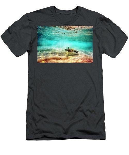 Kua Bay Honu Men's T-Shirt (Athletic Fit)