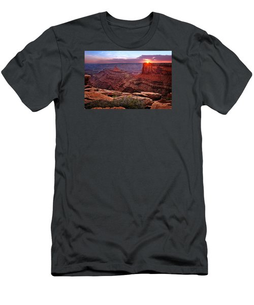 Last Light At Dead Horse Point Men's T-Shirt (Athletic Fit)