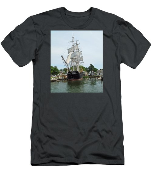 Last Wooden Whale Ship Men's T-Shirt (Athletic Fit)