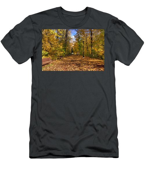 Leavenworth Waterfront Park Men's T-Shirt (Athletic Fit)