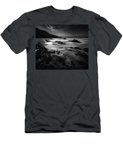 Light Passages Bw Men's T-Shirt (Athletic Fit)