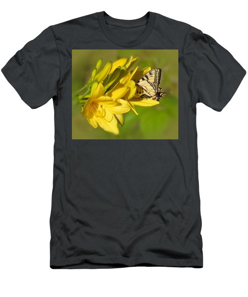 Lily Lover Men's T-Shirt (Athletic Fit)