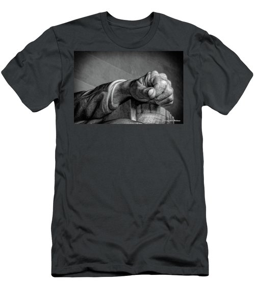 Lincoln's Left Hand B-w Men's T-Shirt (Athletic Fit)