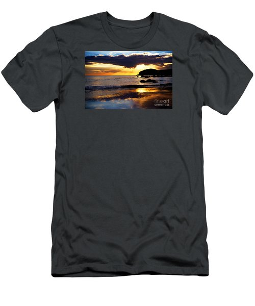 Llangennith Gower Coast Men's T-Shirt (Athletic Fit)