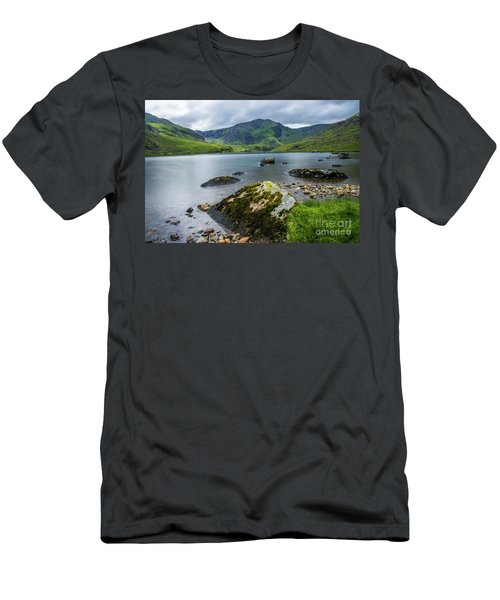 Llyn Ogwen Glyder Fawr Men's T-Shirt (Slim Fit) by Ian Mitchell