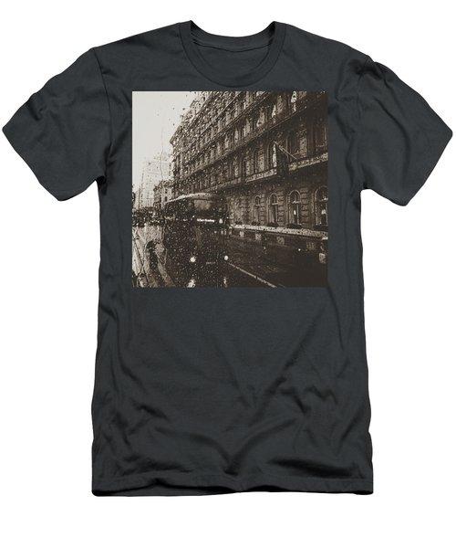 London Rain Men's T-Shirt (Athletic Fit)