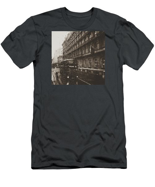 London Rain Men's T-Shirt (Slim Fit)