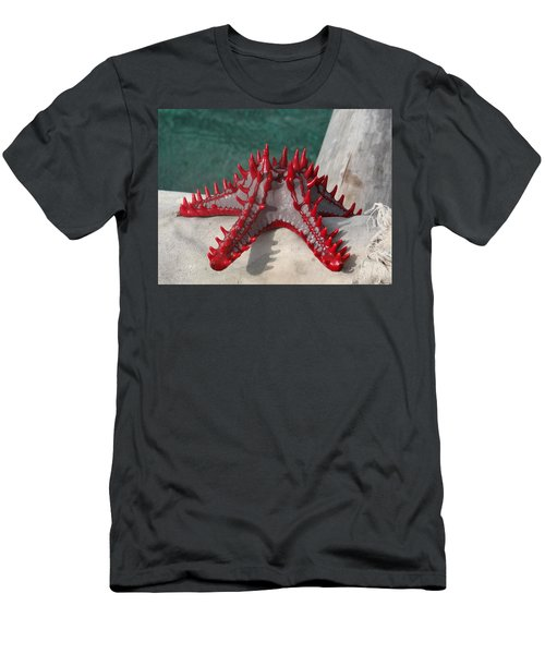 Lone Red Starfish On A Wooden Dhow 3 Men's T-Shirt (Athletic Fit)