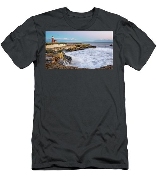 Long Exposure Of Waves Against The Cliff With Lighthouse In Shot Men's T-Shirt (Athletic Fit)
