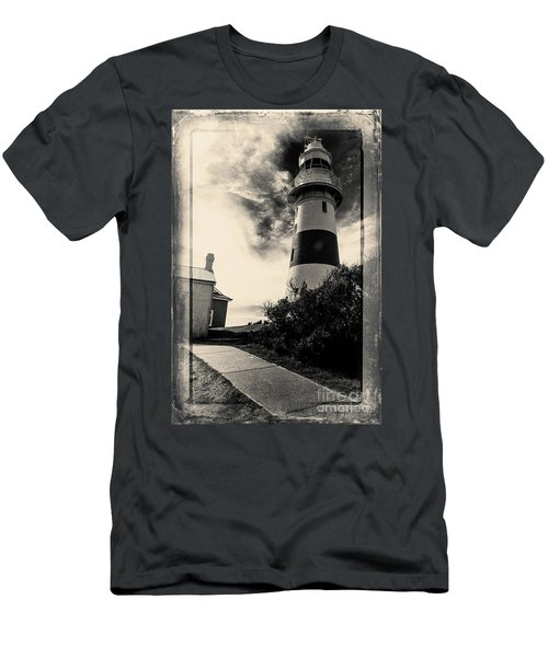 Low Head Lighthouse Men's T-Shirt (Athletic Fit)
