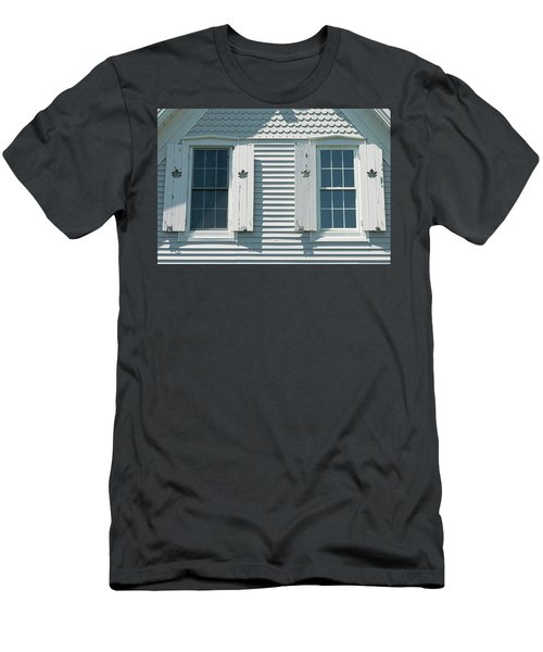 Made In Canada Men's T-Shirt (Athletic Fit)