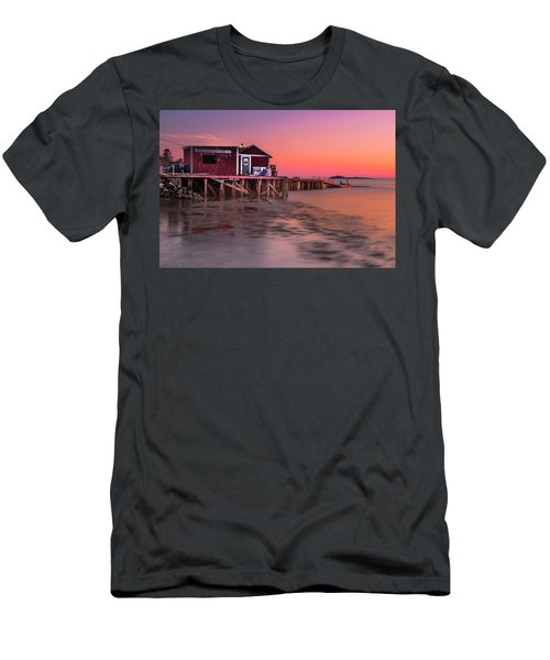 Maine Coastal Sunset At Dicks Lobsters - Crabs Shack Men's T-Shirt (Athletic Fit)