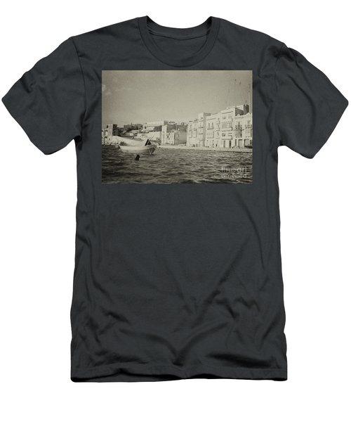 Maltese Boat Men's T-Shirt (Athletic Fit)