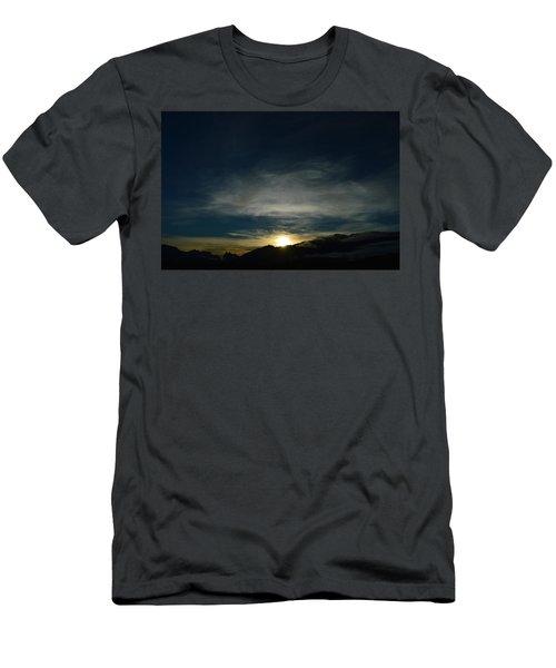 Manastash Sunrise Men's T-Shirt (Athletic Fit)