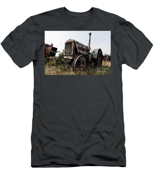 Mccormick-deering Men's T-Shirt (Athletic Fit)