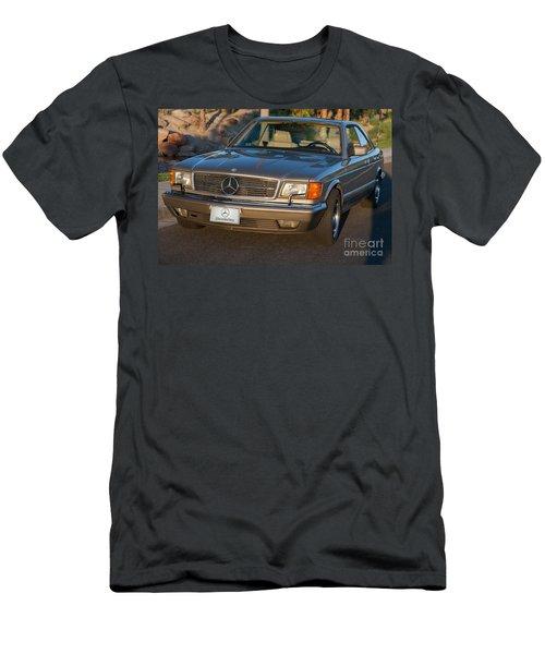 Mercedes 560sec W126 Men's T-Shirt (Athletic Fit)