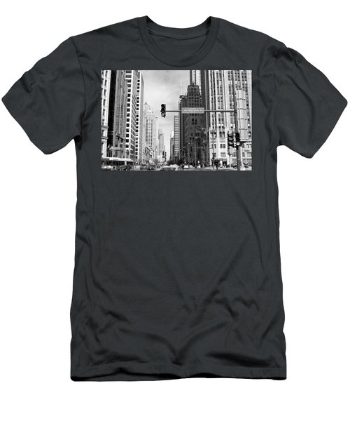 Michigan Ave - Chicago Men's T-Shirt (Athletic Fit)
