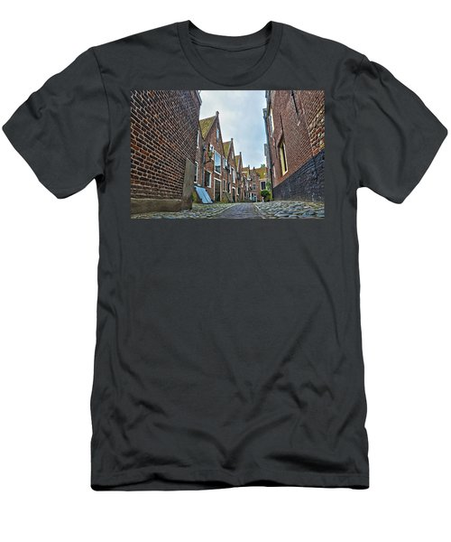 Middelburg Alley Men's T-Shirt (Athletic Fit)