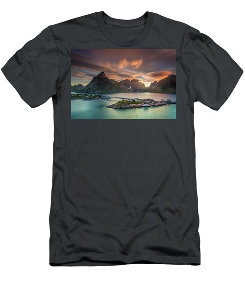 Midnight Sun Galore Men's T-Shirt (Slim Fit)