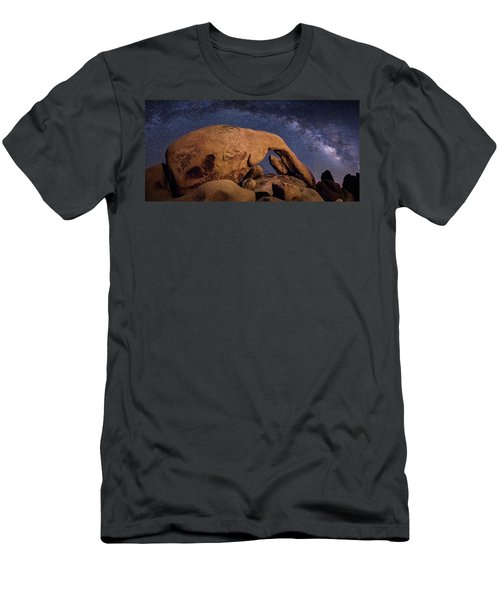 Milky Way Over Arch Rock Men's T-Shirt (Athletic Fit)