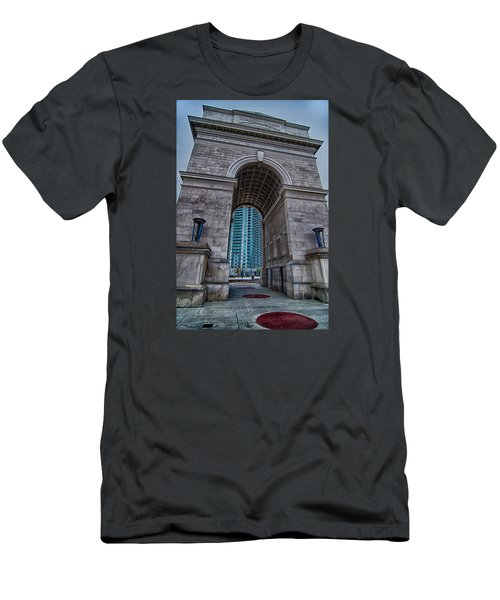 Millennium Gate Triumphal Arch At Atlantic Station In Midtown At Men's T-Shirt (Athletic Fit)