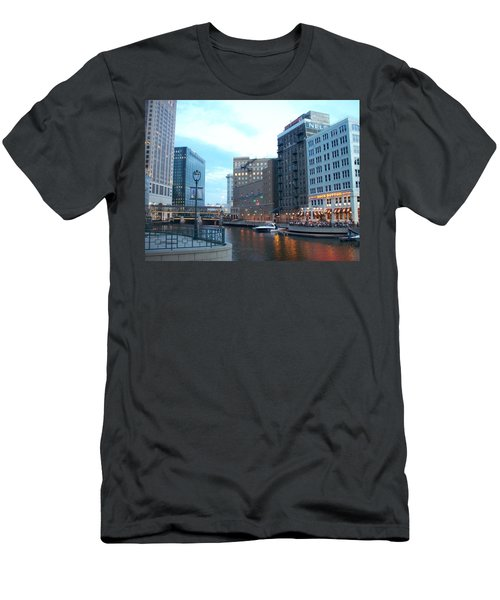 Milwaukee River Walk Men's T-Shirt (Athletic Fit)