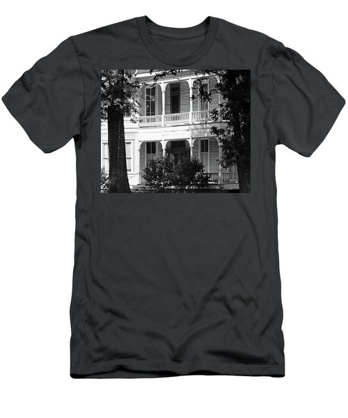 Mississippi Haunted House Men's T-Shirt (Athletic Fit)