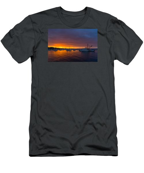 Monterey Marina Sunset Men's T-Shirt (Athletic Fit)