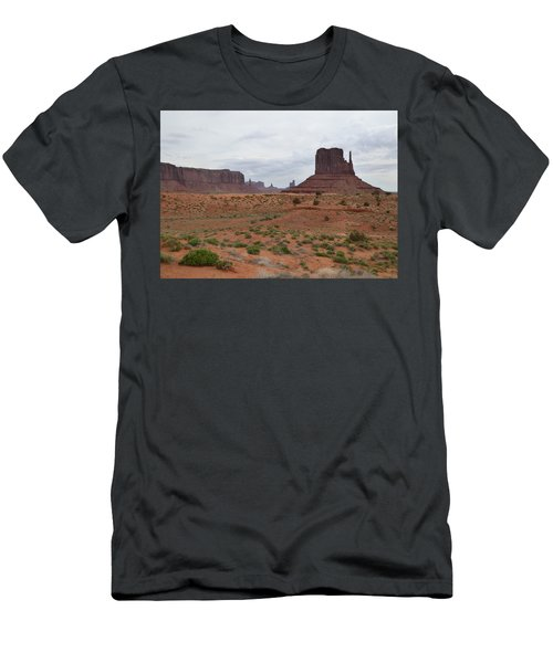 Monument Valley Morning Men's T-Shirt (Athletic Fit)