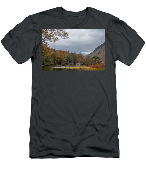 Moody Clouds Over A Boathouse On Wast Water In The Lake District Men's T-Shirt (Athletic Fit)