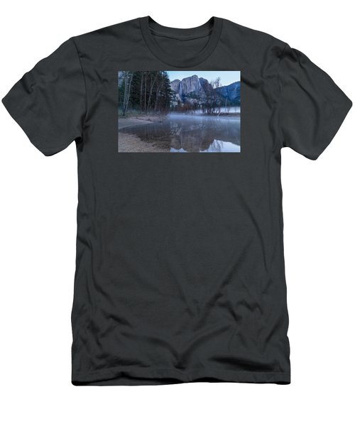 Morning Fog Yosemite Falls Men's T-Shirt (Athletic Fit)