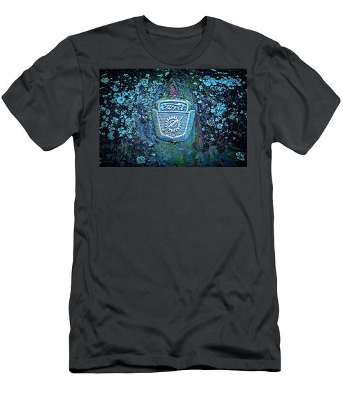 Mossy Ford  Men's T-Shirt (Athletic Fit)