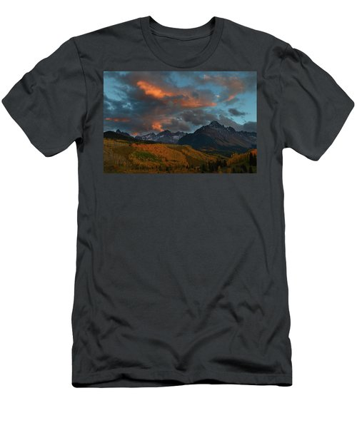 Mount Sneffels Sunset During Autumn In Colorado Men's T-Shirt (Athletic Fit)
