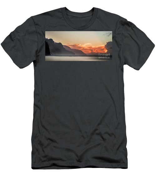 Napali Coast Kauai Hawaii Panoramic Sunset Men's T-Shirt (Athletic Fit)
