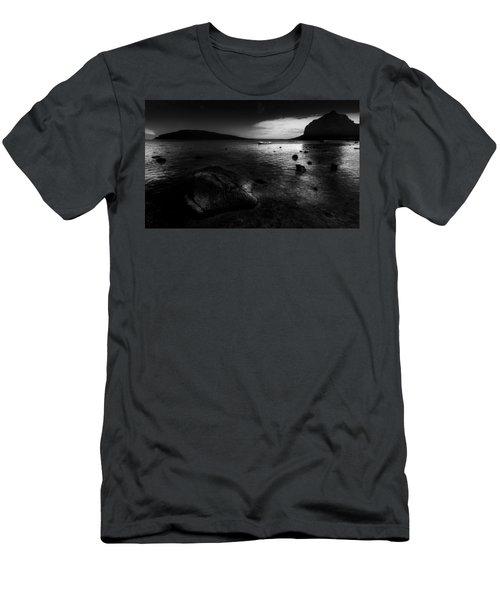 Near Le Morne Men's T-Shirt (Athletic Fit)