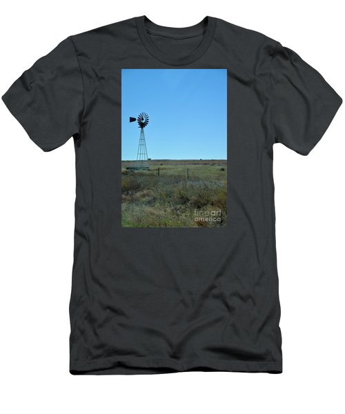 Nebraska Windmill Men's T-Shirt (Athletic Fit)