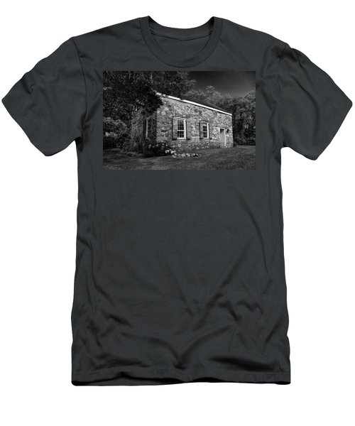 Neldon - Roberts Stonehouse Montague New Jersey Black And White Men's T-Shirt (Slim Fit)