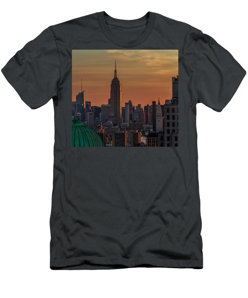 Never Give Up On Your Dreams  Men's T-Shirt (Athletic Fit)