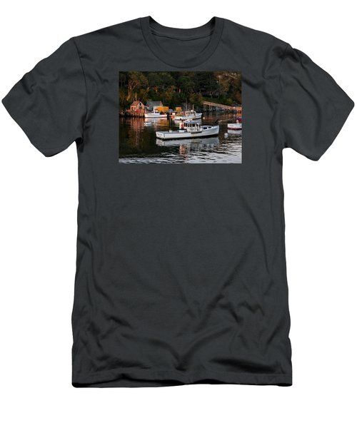 New Harbor, Maine Men's T-Shirt (Athletic Fit)
