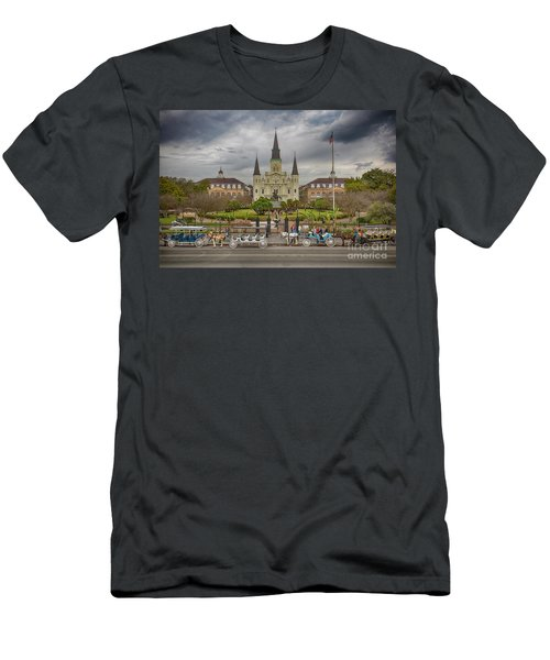 New Orleans Jackson Square Men's T-Shirt (Athletic Fit)