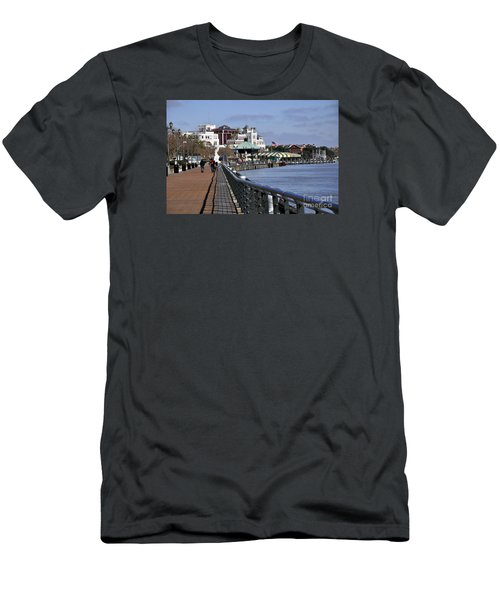 New Orleans Riverwalk 2 Men's T-Shirt (Athletic Fit)